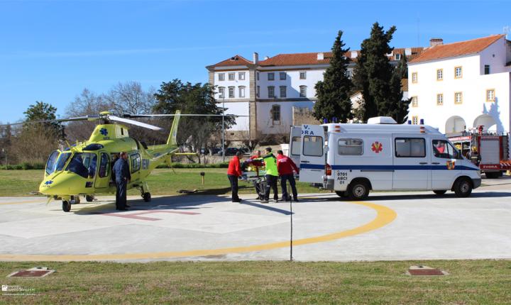 Helicóptero do INEM colocado em Évora não cumpre requisitos do contrato