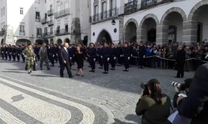 Évora: Presidentes da República encontram-se na Praça do Giraldo (c/video)