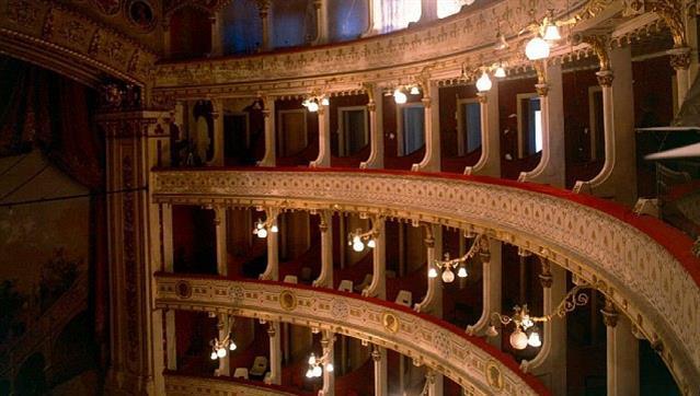 Évora: Teatro e música no Garcia de Resende