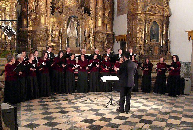 "Concerto pelo Coro Polifónico ""Eborae Mvsica "" na Catedral de Chartres"