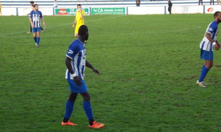 Futebol: Juventude mostra-se aos sócios frente ao V. Setúbal