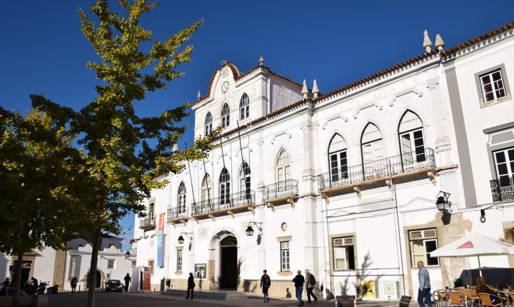 Estudantes protestam em Évora contra a falta quartos e aumento das rendas