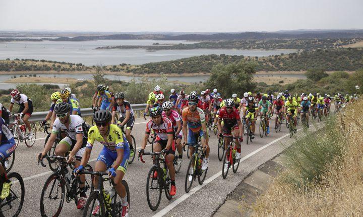 Ciclistas disputam campeonato nacional no concelho de Reguengos de Monsaraz