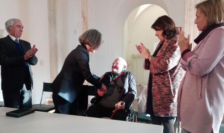 Cutileiro doa espólio e casa e recebe medalha em Évora