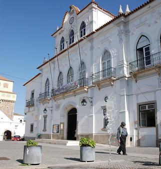 Évora: Câmara recebe quase 300 mil euros do Governo
