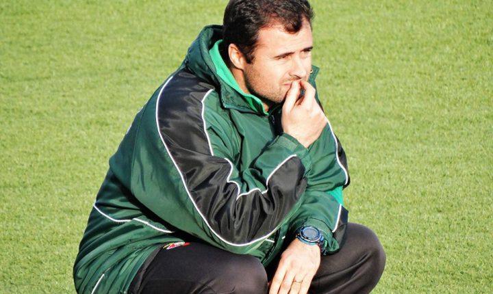 Futebol: Treinador do Lusitano demite-se