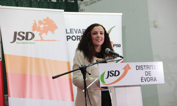 Évora: Ângela Caeiro reeleita presidente da distrital da JSD