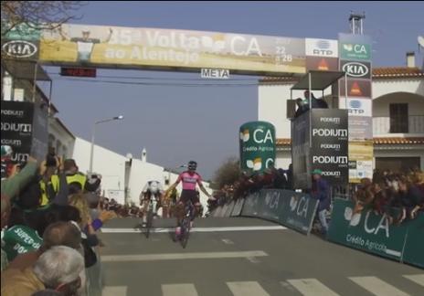 Ciclismo: Barbero mantém camisola amarela na Volta ao Alentejo