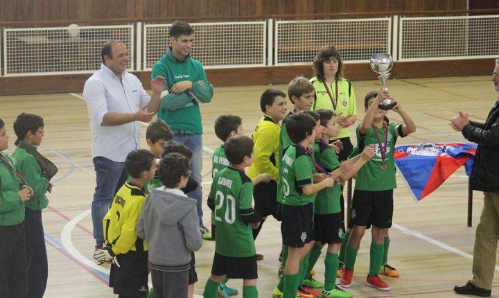 Benjamins do Sporting de Viana vencem Taça Distrital em futsal