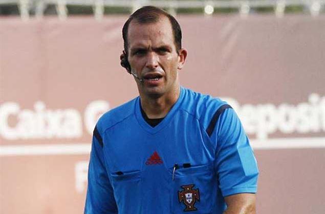 Futebol: Associação homenageia árbitro Luís Godinho