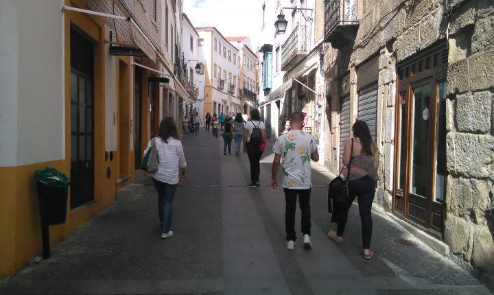 Évora: Campanha prossegue com contactos e visitas