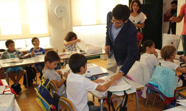 Portel: Município oferece manuais escolares