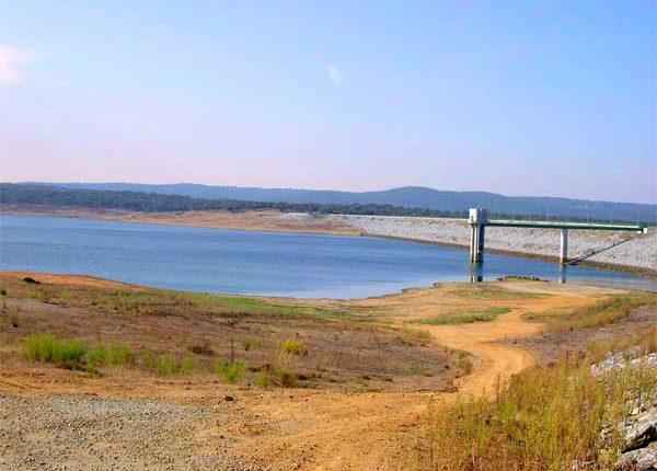 """Alentejo: PCP reivindica """"construção de barragens há muito tempo previstas"""""""