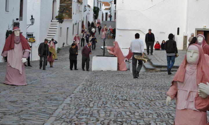 Monsaraz: Presépio regressa às ruas da vila medieval