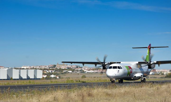 Évora: Avião da TAP aterrou no aeródromo municipal
