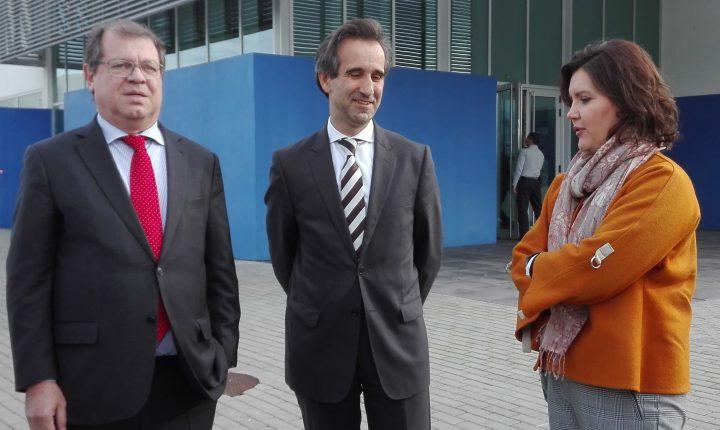 Política: Aeronáutica e Ferrovia na visita de Assunção Cristas a Évora