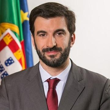 Ensino: Ministro já tem 70 mil euros para obras na André de Gouveia