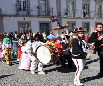 Brincas de Carnaval de Évora em exposição no Convento dos Remédios