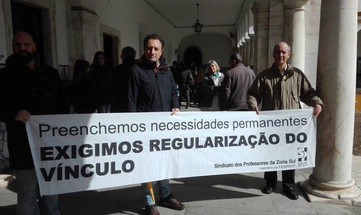 Évora: Protesto contra não integração de precários na universidade