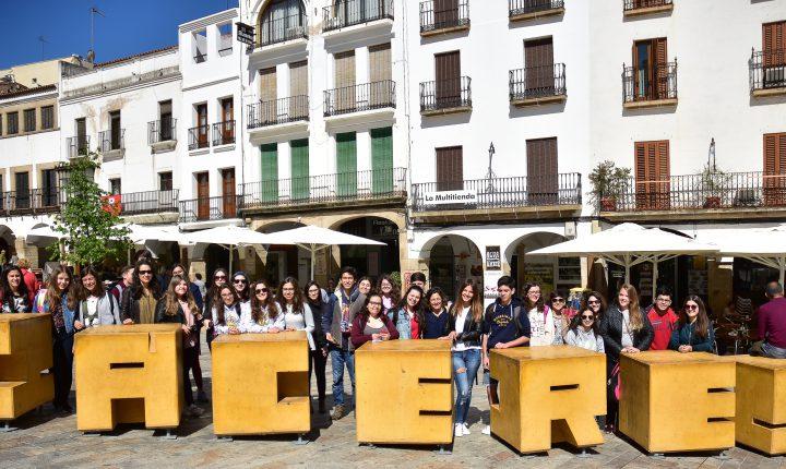 Alunos de Évora participam em homenagem a José Saramago