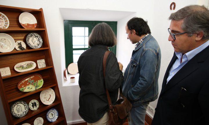 Olaria e cerâmica no antigo Posto de Turismo de Viana do Alentejo