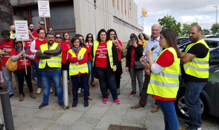CGTP quer trabalhadores do call center de Évora nos quadros