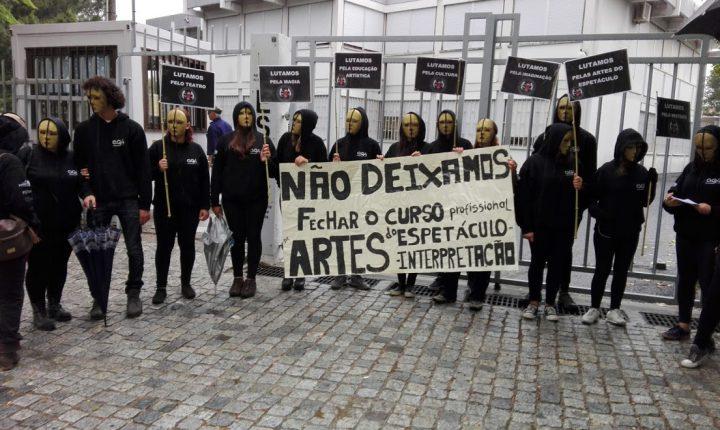 Bloco questiona fecho do curso de artes do espetáculo em Évora