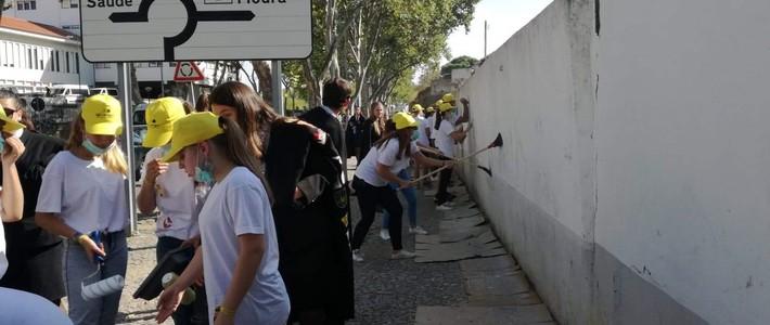 Praxe solidária leva 60 caloiros ao Hospital de Évora