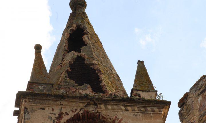 Obras de estabilização da torre do Castelo de Mourão avançam este mês
