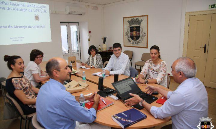 Conselho de Educação visita Universidade Popular em Viana do Alentejo