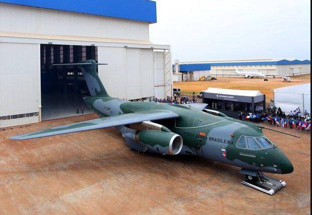 Governo formaliza em Évora compra de aviões Embraer KC390