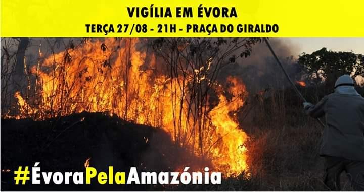 Vigília pela Amazónia na Praça do Giraldo