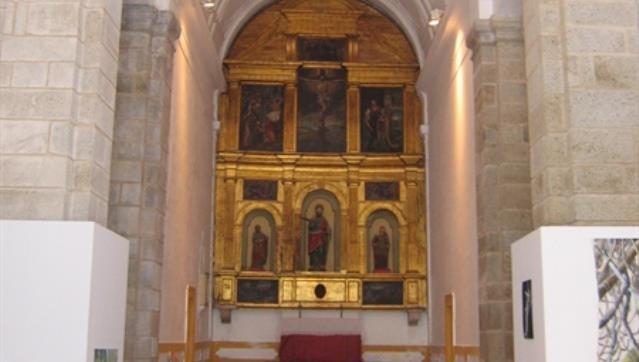 """""""Poemas Ditos"""" por Margarida Morgado na Igreja de São Vicente"""