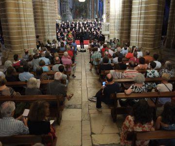 Cerca de 250 pessoas aplaudiram de pé concerto na Sé de Évora