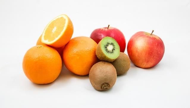 Município de Viana do alentejo distribui fruta aos alunos e crianças