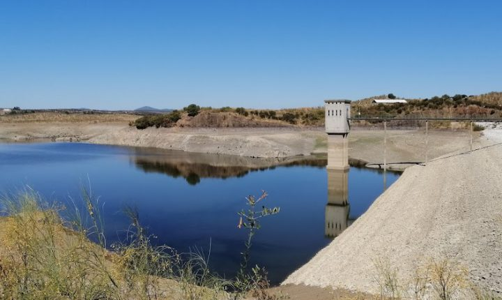 Albufeira no concelho de Alandroal com 4,8% de disponibilidade de água