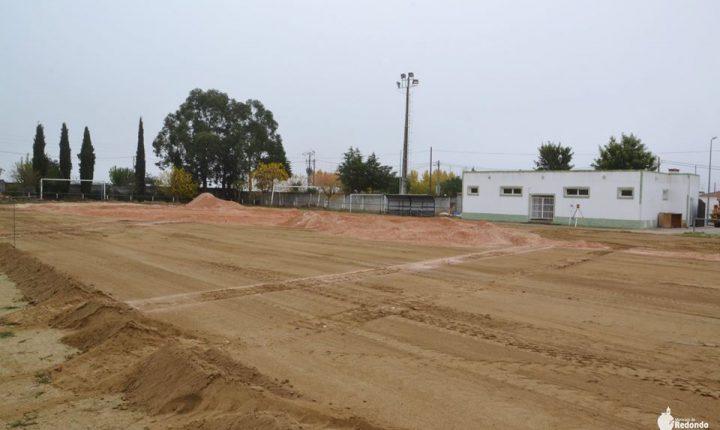 Câmara de Redondo coloca relva sintética em dois campos de futebol