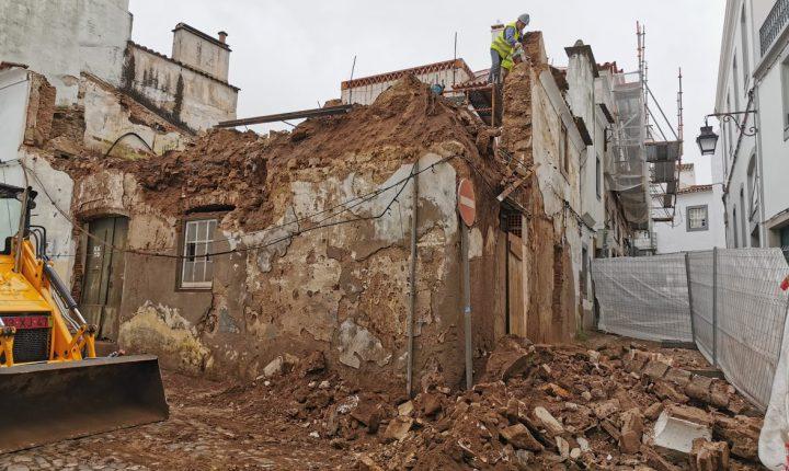 Casa em obras no centro histórico de Évora ruiu devido ao mau tempo