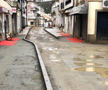 Comerciantes da Rua de Aviz em Montemor-o-Novo descontentes com obras
