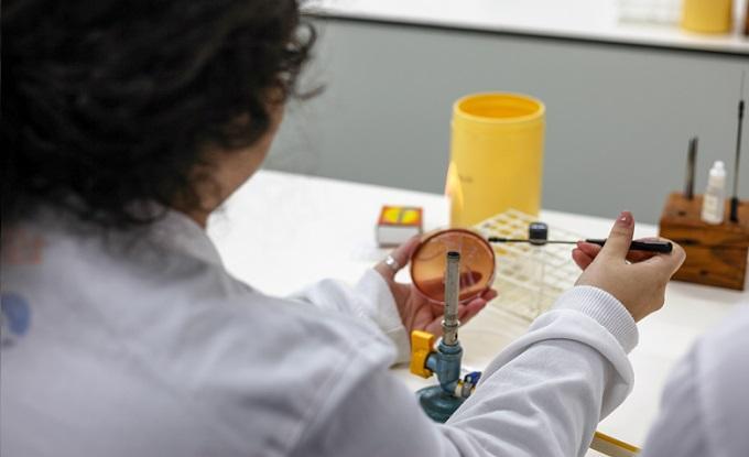 Universidade de Évora começa a realizar testes ao novo coronavírus covid-19