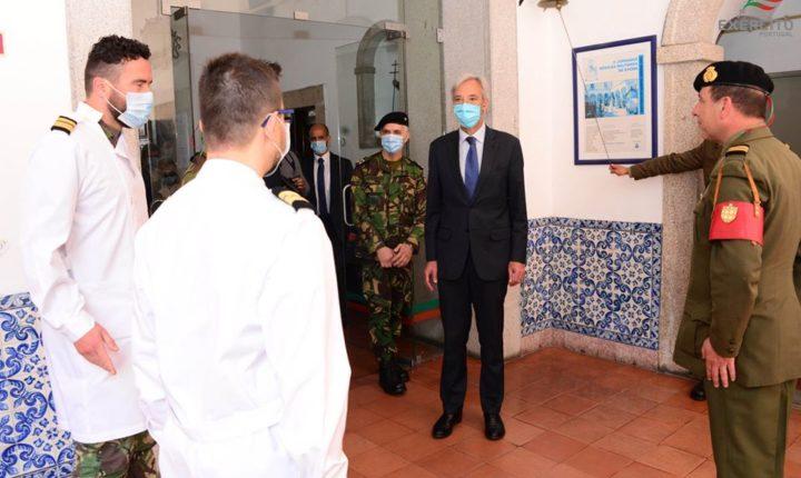 """Ministro da Defesa diz que colaboração em Évora é """"caso exemplar"""""""