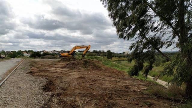Câmara de Mora inicia construção de nova pista de atletismo em Pavia