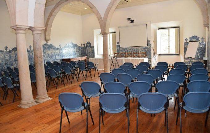 Universidade de Évora suspende aulas presenciais até final do ano letivo