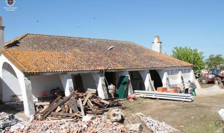 Antiga escola de Arraiolos transformada em casa mortuária