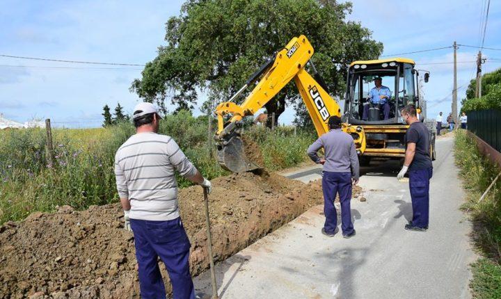Câmara de Évora instala conduta de água para melhorar abastecimento