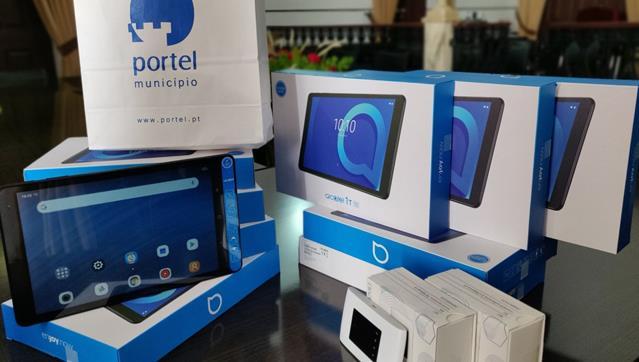 Câmara de Portel disponibiliza tablets e acesso gratuito à Internet aos alunos