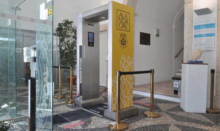 Alandroal instalou pórticos de desinfeção nas escolas
