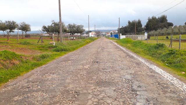 Borba repavimenta troços de quatro estradas e caminhos municipais