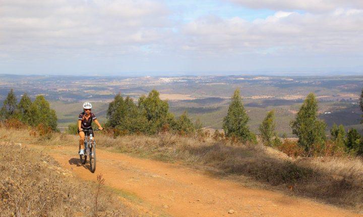 Centro de Cycling da Aldeia da Serra com manutenção conjunta