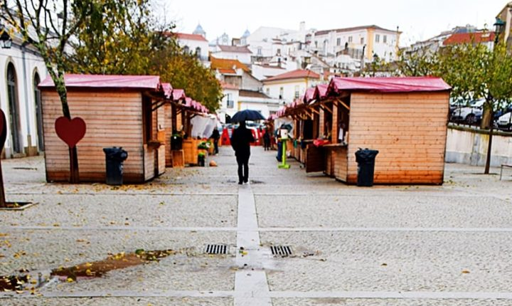 Feira de Natal com mostra de artesanato em Évora até domingo